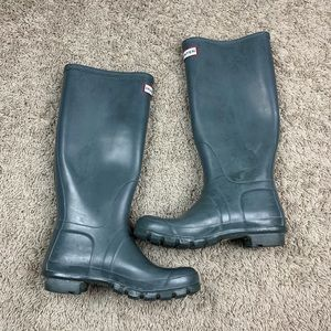 Hunter boots gray